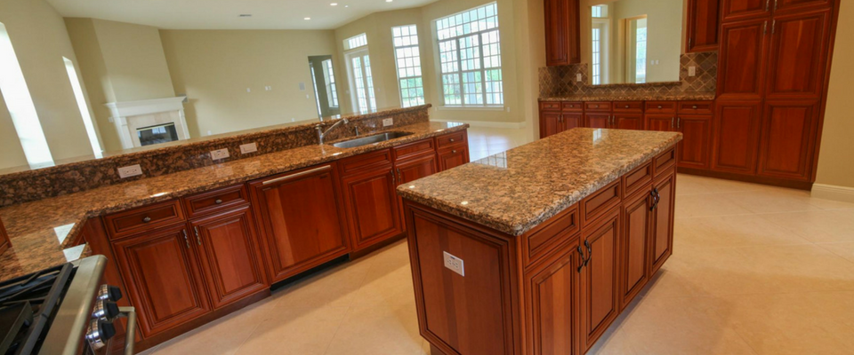 Oak kitchen cabinets with granite counter tops
